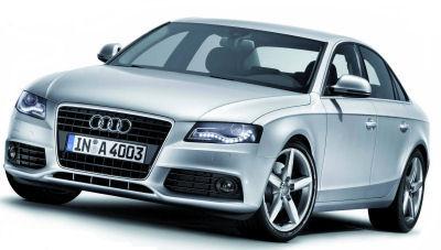 Pour sa nouvelle Audi A4, Audi a mis l'accent sur les qualités dynamiques du véhicule, tout en améliorant encore la qualité de finition, afin dépasser la concurrence BMW Série 3 et Mercedes Classe C